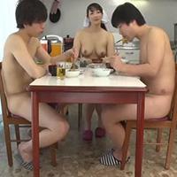 常に全裸がルールの学生寮!